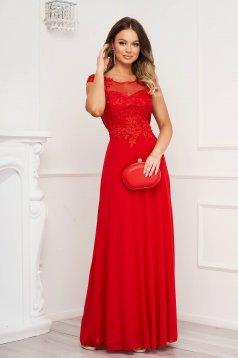Piros hosszú alkalmi harang ruha kivágott hátrésszel csipke díszítéssel