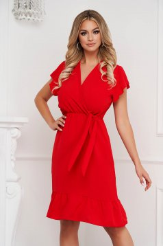 Fodros midi piros ruha vékony anyagból harang alakú gumirozott derékrésszel