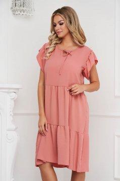 Fodros midi bő szabású púder rózsaszínű ruha vékony anyagból