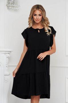 Fodros midi bő szabású fekete ruha vékony anyagból