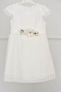 Fehér ruha alkalmi harang csipkés anyagból rakott, pliszírozott bross kiegészítővel