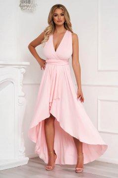 Világos rózsaszínű ruha aszimetrikus alkalmi harang rugalmas anyagból teljesen kivágott hátrésszel