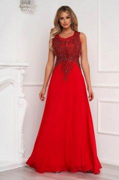 Piros ujjatlan alkalmi hosszú muszlin harang ruha hímzett betétekkel strasszos kiegészítővel