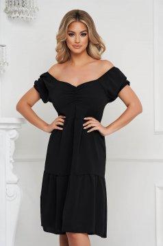 Fekete ruha midi bő szabású ejtett vállú vékony anyag