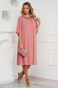 Bő szabású púder rózsaszínű midi muszlin ruha strassz köves díszítés