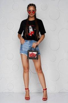 Fekete pamutból készült bő szabású póló kerekített dekoltázssal masni alakú kiegészítővel