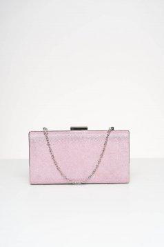 Világos rózsaszínű alkalmi táska csillogó díszítésekkel