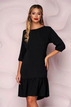 Fekete, egyenes szabású fodros aljú muszlin ruha