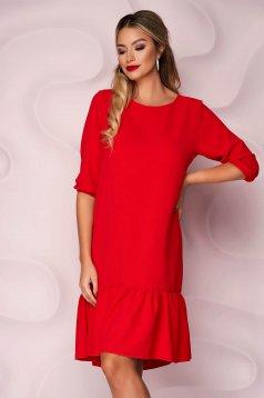 Piros, egyenes szabású fodros aljú muszlin ruha