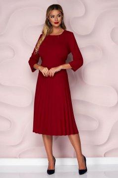 Burgundy casual rakott, pliszírozott harang ruha vékony, enyhén rugalmas anyagból háromnegyedes ujjakkal