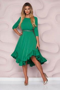 Zöld StarShinerS alkalmi aszimetrikus harang ruha vékony merevitett anyagból ruha alján fodrokkal