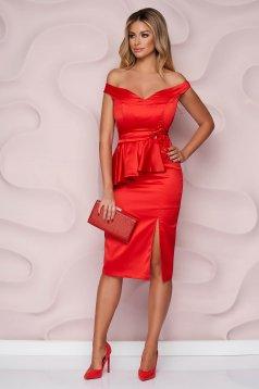 Piros StarShinerS alkalmi midi ceruza ruha szatén anyagból virágos hímzéssel