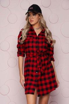 Piros bő szabású hosszú női ing, vékony merevitett finom tapintásu anyagból, eltávolítható övvel
