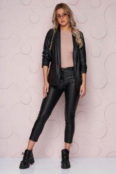 Fekete szűk szabású szintetikus bőr nadrág vékony anyagból