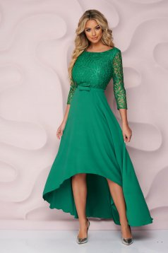 Zöld alkalmi StarShinerS harang ruha aszimetrikus merevitett anyagból csipke díszítéssel és eltávolítható övvel